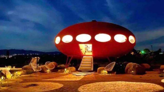 spaceship-rental-05.jpg
